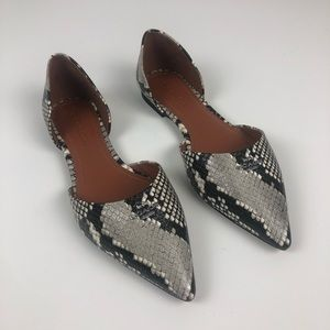 Coach point toe snakeskin flats 8B natural color